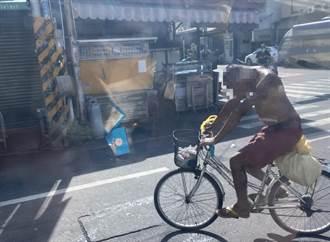 雲林怪男裸身騎車吸強力膠 民眾嚇壞卻因一關鍵「無法管」