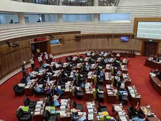 高巿議表決通過731氣爆結論 民進黨團退席抗議