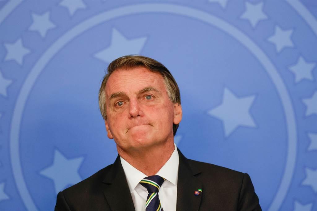 巴西總統為衝人氣執意提高社福金 引關注