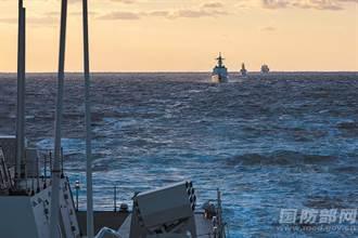 中俄兩軍 實施首次海上聯合巡航