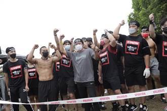 乱彈阿翔挑戰巴達障礙賽 自豪炫耀「是年輕人」