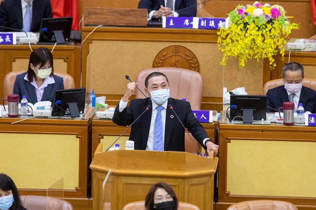 逼侯友宜對共機擾台表態 綠議員何博文臉書被灌爆